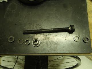 クロスバイクをドロップハンドル化!!自転車の改造、何でも承ってます!!