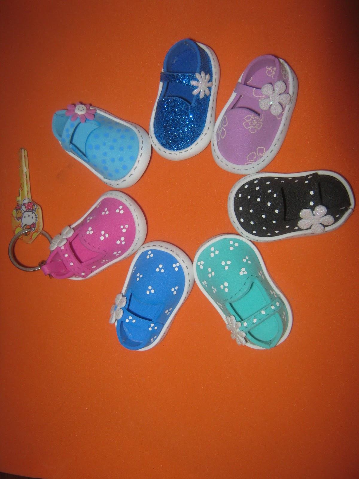 c0402cd3c56 Zapatos Fofuchos Para LLavero Foamy Goma-eva Artfoamicol Moldes y Patrones