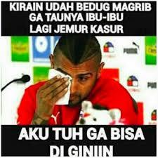 Gambar Meme Lucu Buka Puasa Ramadhan Pemain Bola