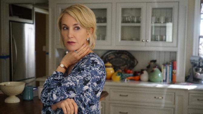 Felicity Huffman es la mujer de un terrateniente en 'American Crime'