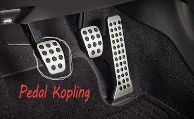 Posisi pedal kopling