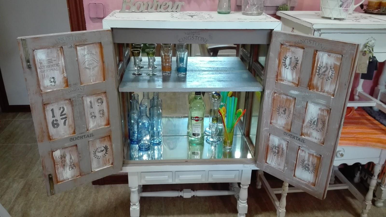 Alicia dom nguez designart mueble bar vintage recuperado madera maciza interior espejos balda - Wallapop muebles antiguos ...