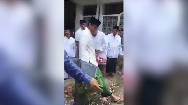 Langkahi Kuburan pendiri NU, Sandiaga Jadi Sorotan