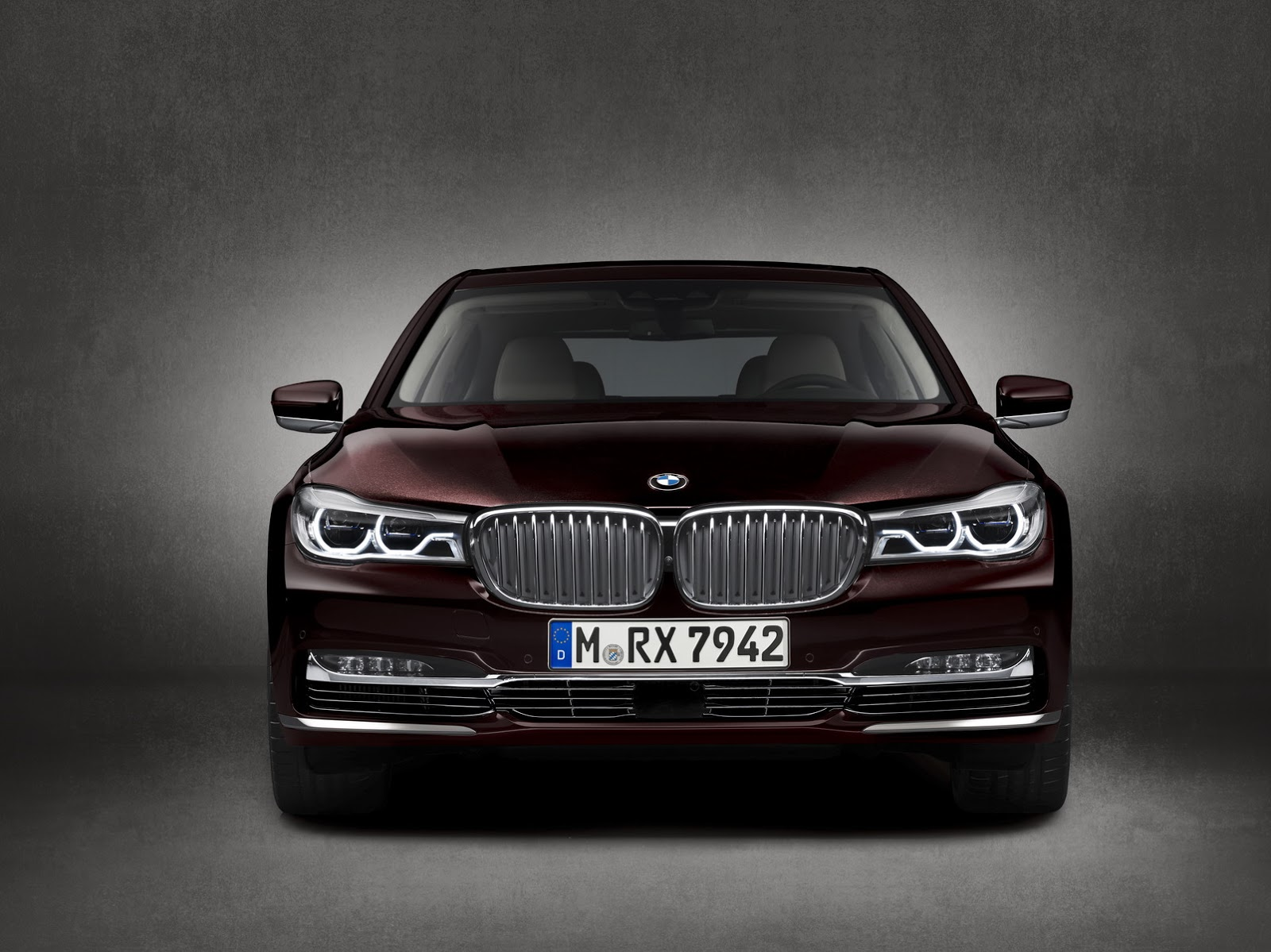 m760li xdrive excellence the first bmw m that s ashamed of being an m. Black Bedroom Furniture Sets. Home Design Ideas
