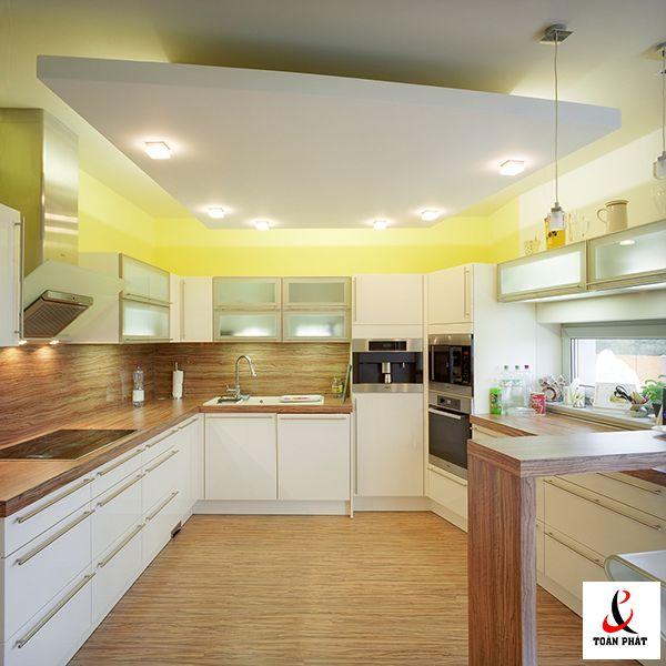 Mẫu trần nhà bếp xuyên sáng đẹp 1