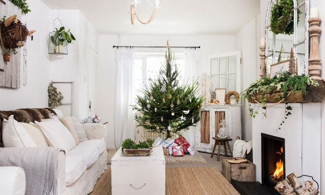 Новогодний декор. Новогоднее украшение в деревенском интерьер