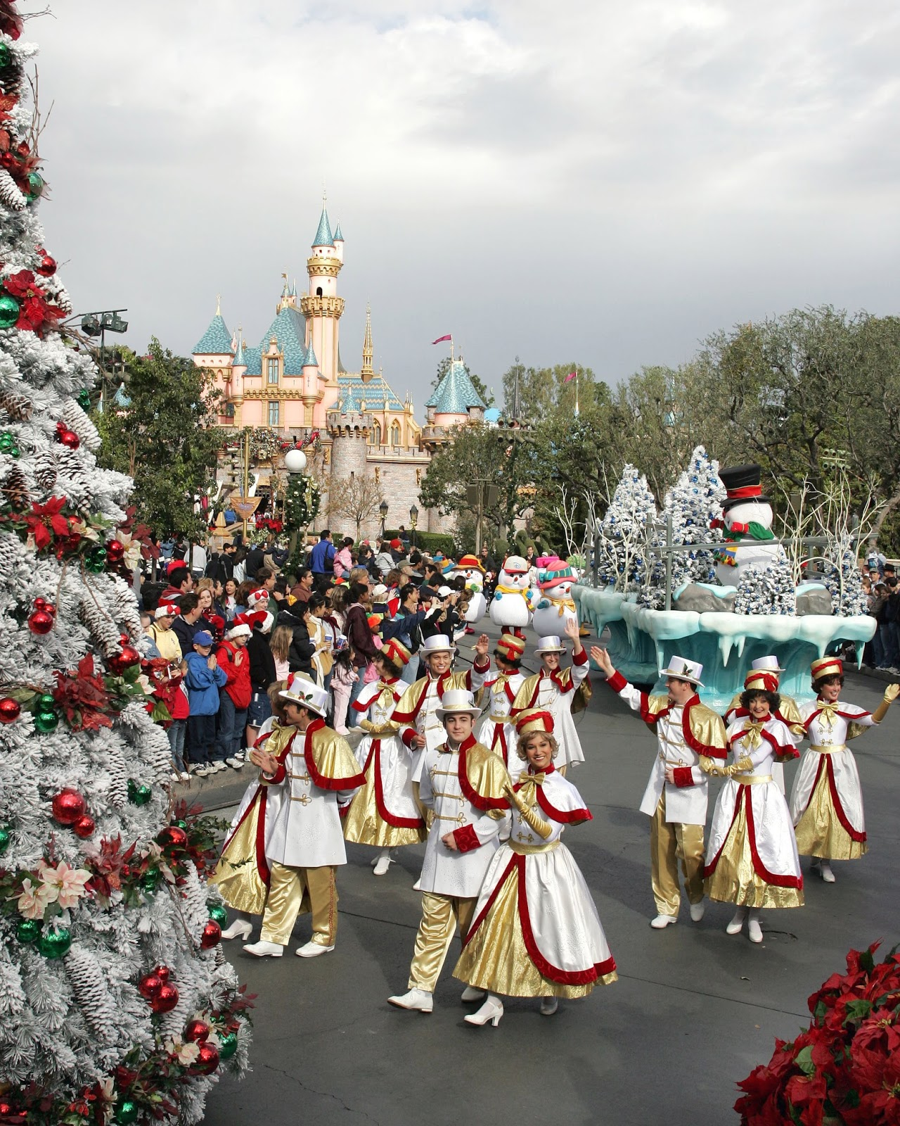 Disney Avenue A Musical History Of Christmas Parades In