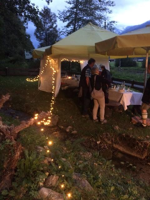 Vorabend Hochzeit Get together im hüttengarten Hochzeitsmotto aus M wird M, Pastell und Vintage im Riessersee Hotel Garmisch-Partenkirchen, Bayern