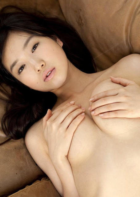 Hot girls JAV Kokone Sasak half nude her sexy body 11