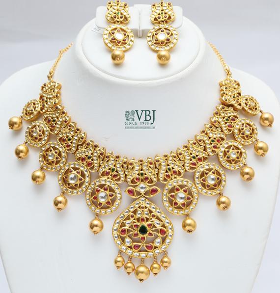 Kundan Set In Peacocks And Stars Jewellery Designs