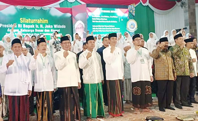 Ketika Presiden Jokowi Fasih Nyanyikan 'Ya Lal Wathan'