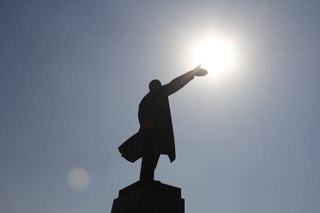 Kirghizistan, Och, Lénine, Place de la Ville, © L. Gigout, 2012