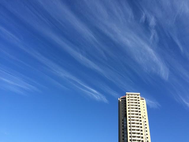 イメージ画像:秋の空
