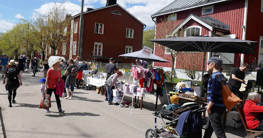 The summer brought the street festivals and village celebrations to Helsinki - Kumpula had the traditional flea market