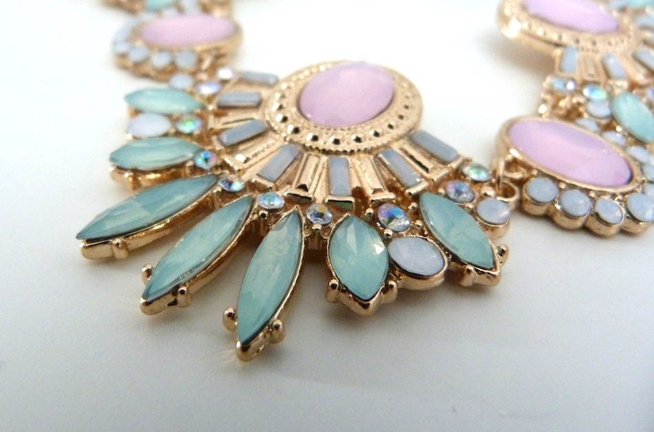 an image of primark pastel statement necklace