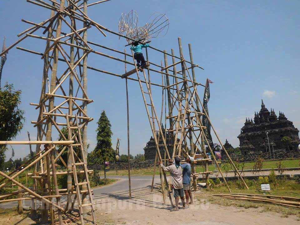 Gapura Minimalis Terbuat Dari Bambu Berbagai Contoh Gapura Agustusan Unik Dan Sederhana Dari Bambu