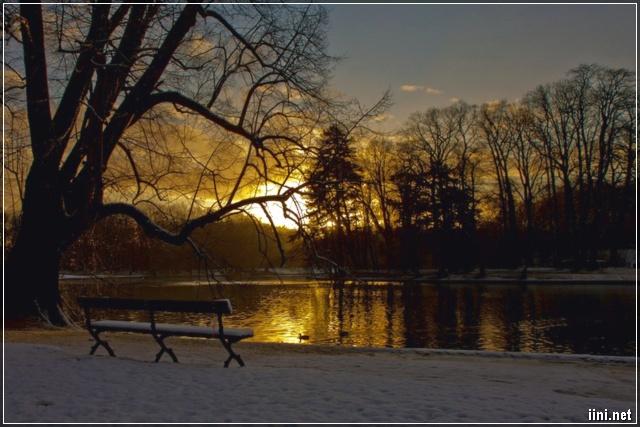 Khung cảnh mùa đông buồn
