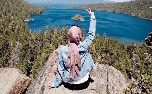 tips solo traveling untuk muslimah