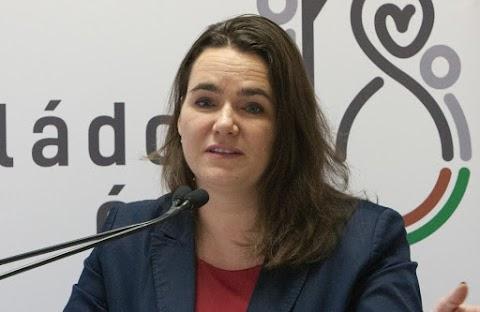 Novák Katalin: A családok támogatása jelenthet megoldást Európa demográfiai problémáira