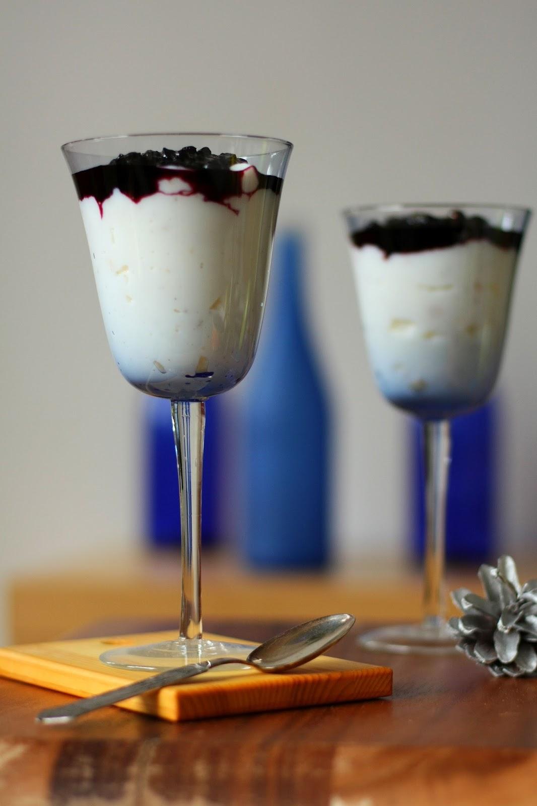 vaniljakiisseli mustikkahillo pikamustikkahillo pikahillo mustikka jälkiruoka kiisseli kerroskiisseli suomi100