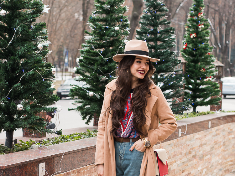 fashion blogger diyorasnotes beige coat shein mom jeans hat 1 4 - CHRISTMAS MOOD
