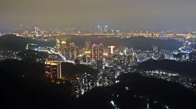 碧山巖夜景~台北內湖夜景好趣處