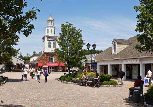 New York - Journée Shopping aux Woodbury Common Premium Outlets