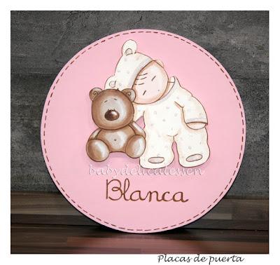 placa de puerta infantil bebé durmiendo con osito nombre Blanca babydelicatessen