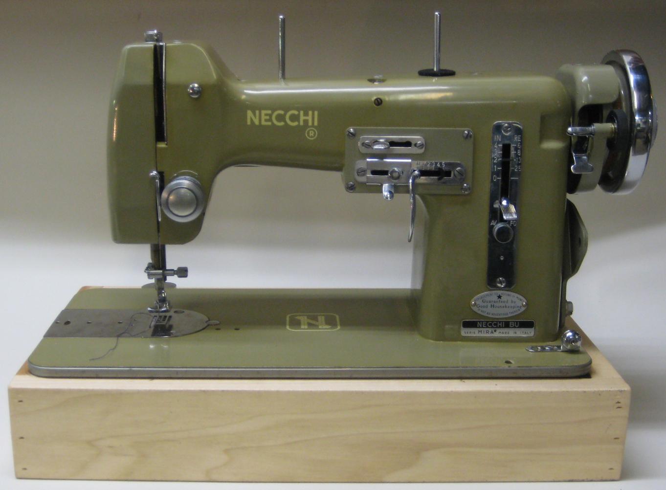MI Vintage Sewing Machines: Necchi BU Mira (1954) on
