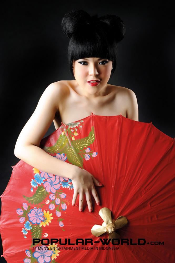 Foto Tina Toon Di Majalah Popular World-8913