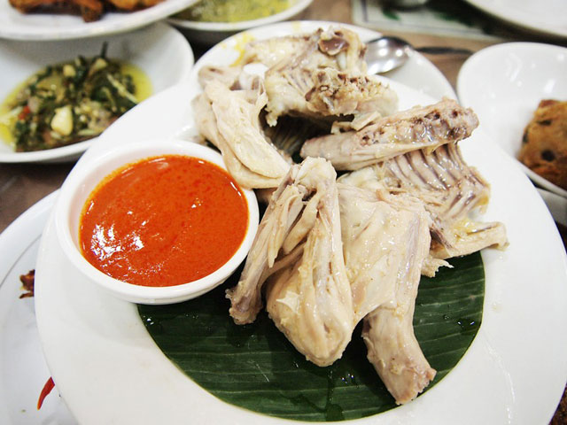 Ayam pop di R.M. family benteng