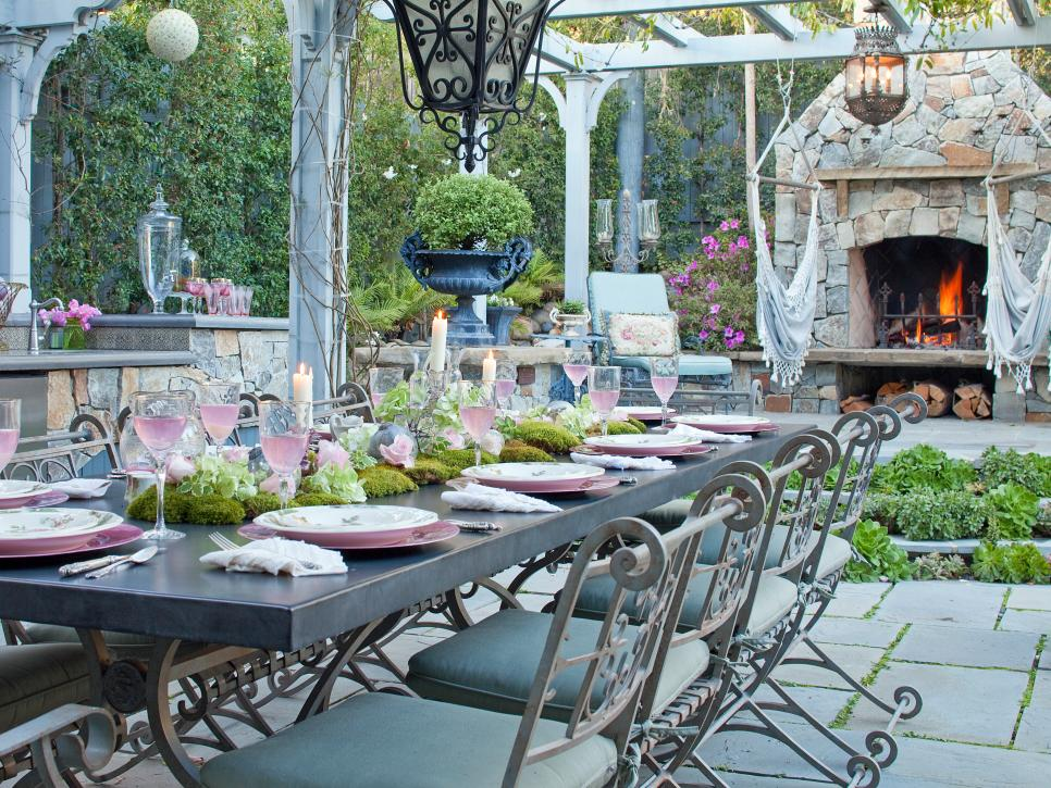 Cheap chic decor outdoor dining space ideas
