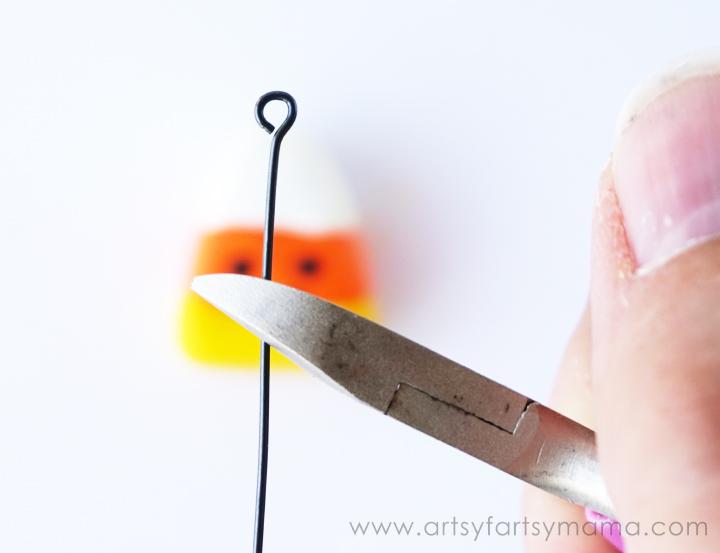 DIY Halloween Charms at artsyfartsymama.com