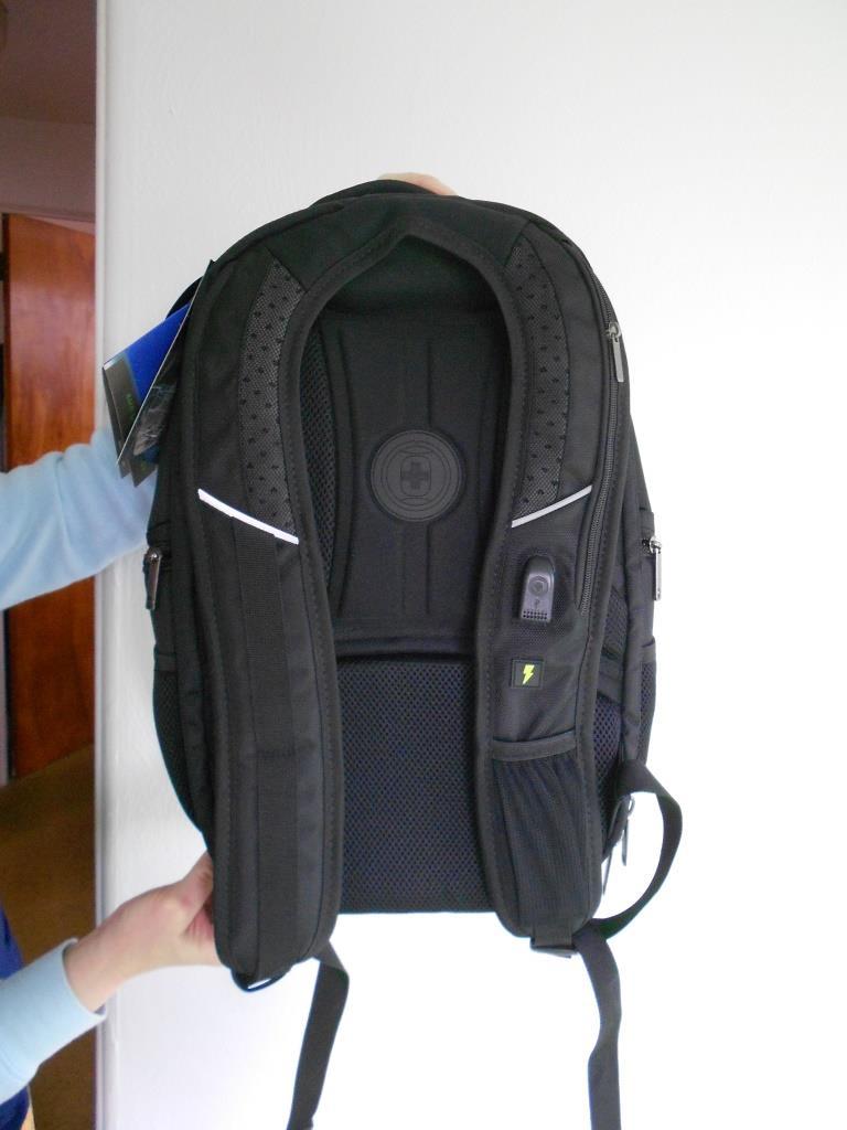 back-of-laptop-backpack.jpeg