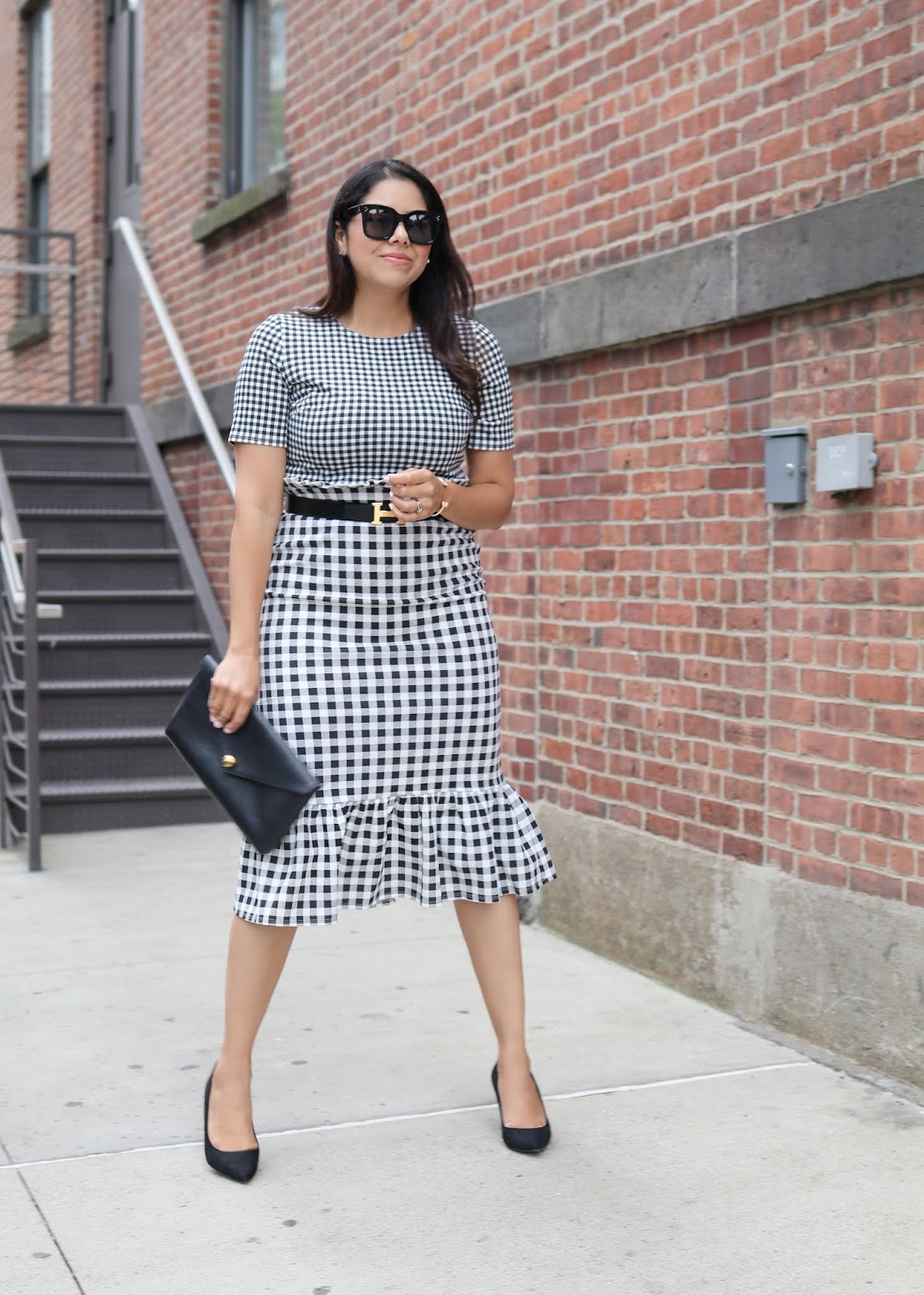 how to wear gingham, mixed print dress, hermes belt
