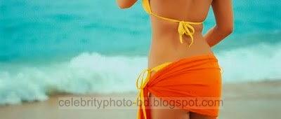 Alia Bhatt Hot - Alia Bhatt Kiss - Alia Bhatt Bikini Pictures and Photos