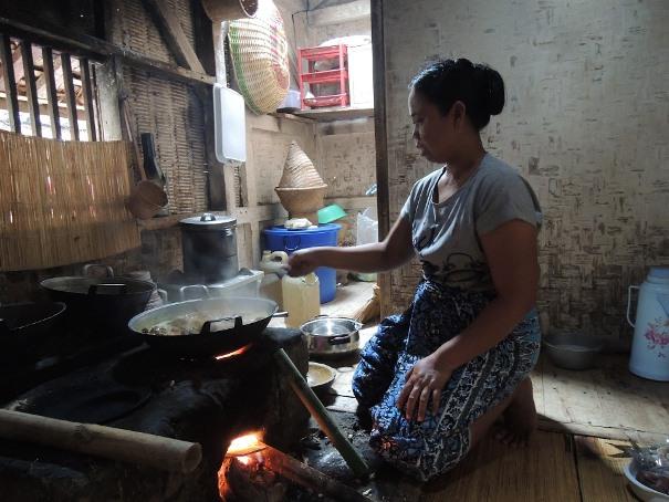 Membantu Para Wanita di Indonesia Agar Bisa Hidup Mandiri