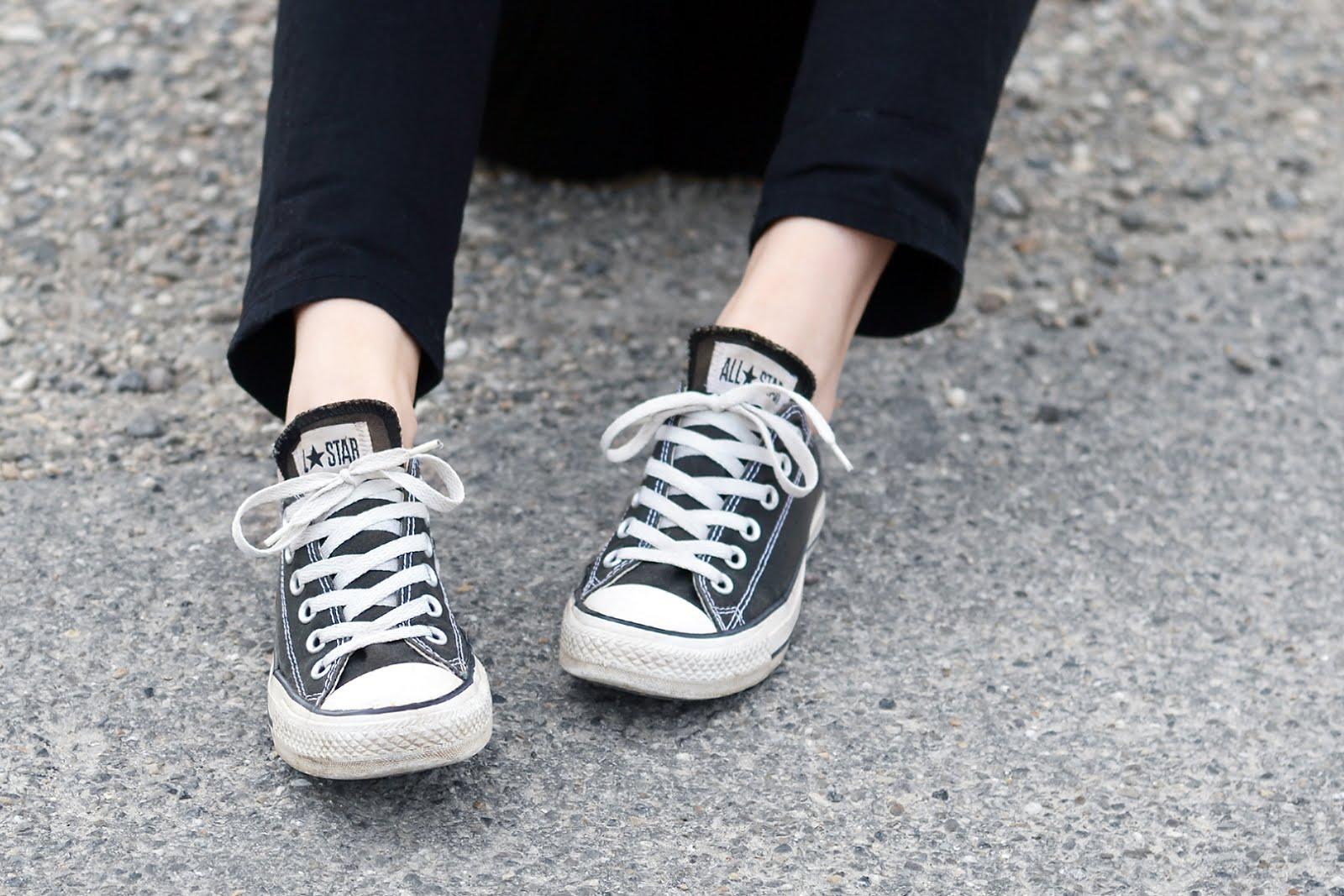 Crochet long sleeve top, moth clothing, asos dungarees, all black, grey hair, mode blogger, belgie, street style