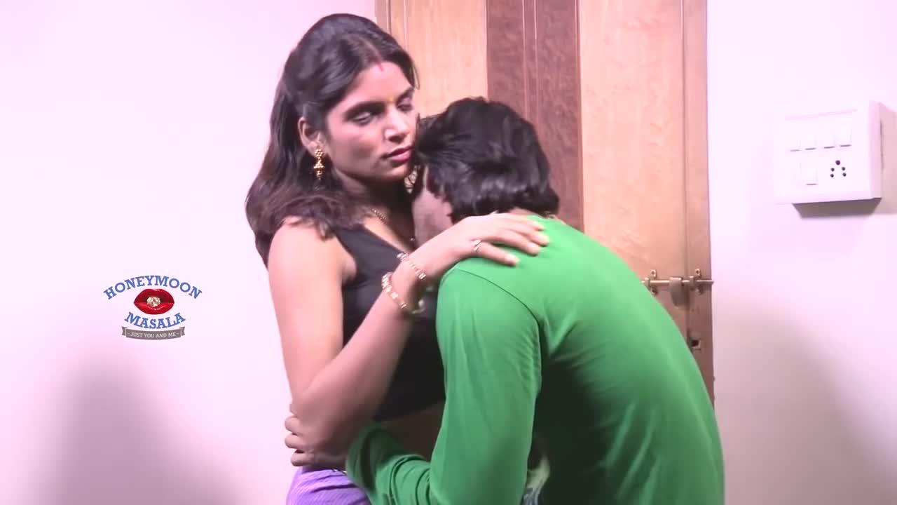 Sexy Hot Mallu Bhabhi Ki Adhuri Raat Devar Bhabhi Romance-4487