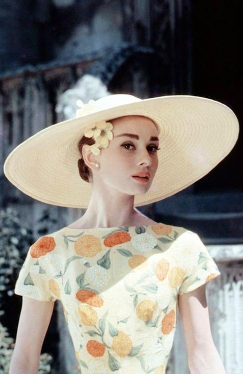 top 7 vintage style jewelry amp accessories retro dresses