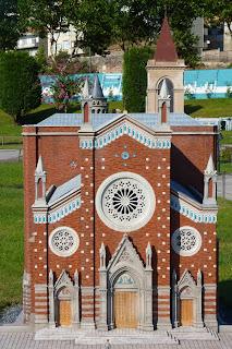 Miniatürk, iglesia de San Antonio de Padua.