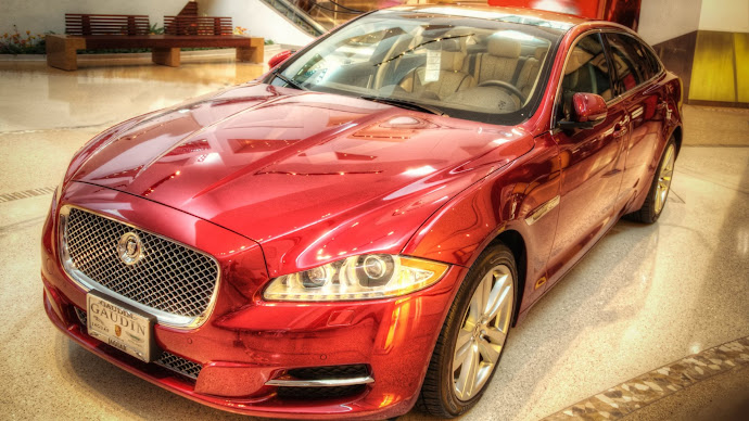 Wallpaper: Red Jaguar XJ Car