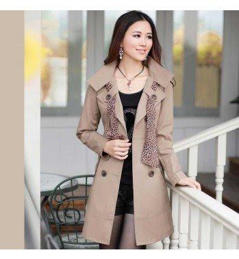 sobretudo feminino curto feminina mulher look inverno casaco lindo estiloso diferente estilo bonito moderno elegante moda formal marrom echarpe