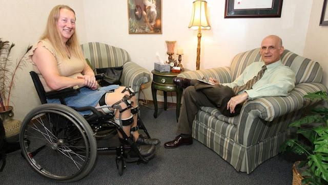 Mulher sonha em ser paraplégica (Imagem: Reprodução/Embrulha!)