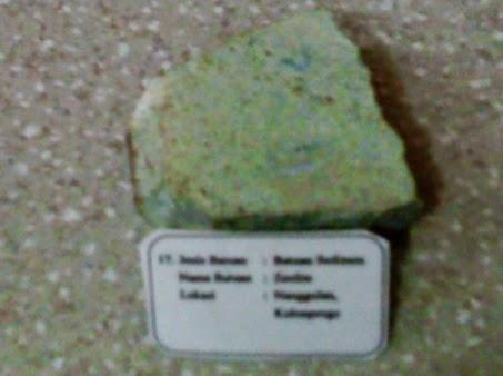 Komposit Oksida Besi Magnetit-Zeolite