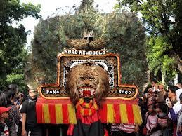 yaitu salah satu kesenian budaya yang berasal dari Jawa Timur bab barat Materi Sekolah |  Tari Reog Dan Tari Jayengrana