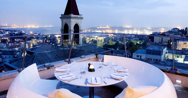 Jantar romântico em Istambul na Turquia