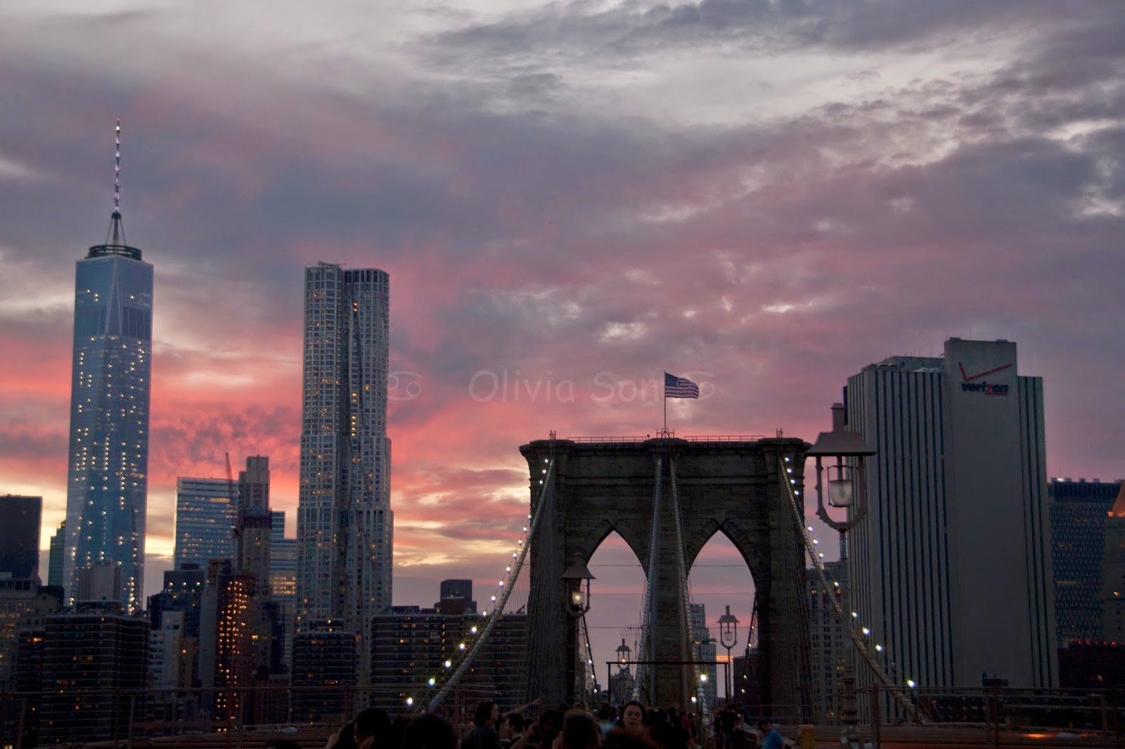 sunset brooklyn bridge, new york city, usa