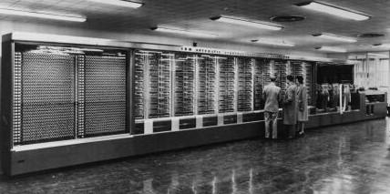 Hasil gambar untuk komputer generasi pertama (1941-1952) pengembangan IBM