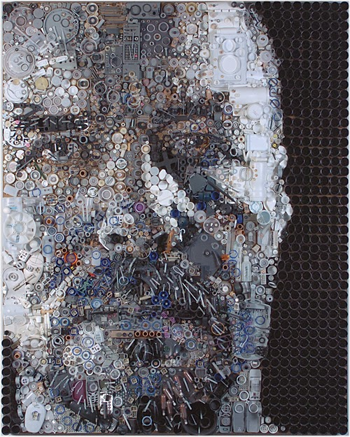 10-Steve-Zac-Freeman-Recycles-Portrait-Sculptures-www-designstack-co